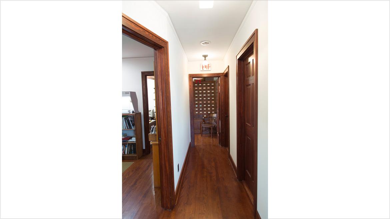 Hallway_B4A9974_V1LoRes50
